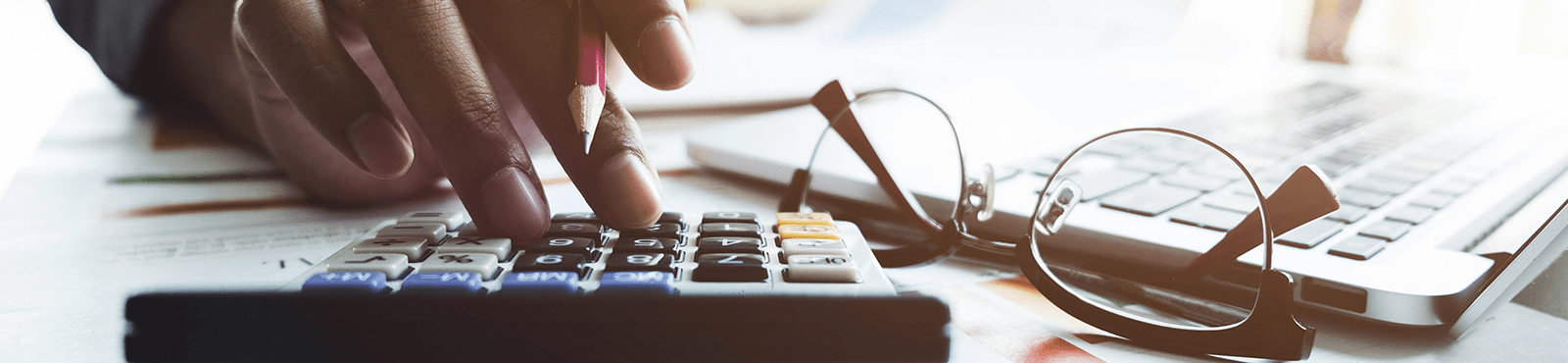 Spesenabrechnung: So rechnen Sie Spesen und Auslagen mit Ihren Kunden ab