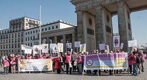Der Verein für Direktversicherungsgeschädigte während einer Demonstration.