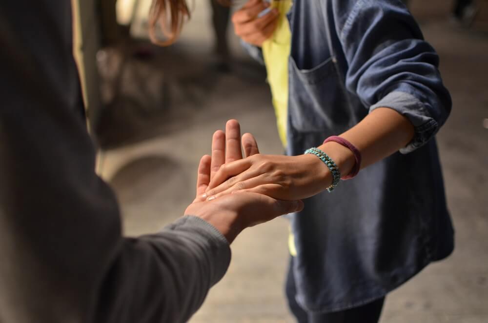Hand in Hand: 5 Gründe, warum dein Verein passive Mitglieder braucht