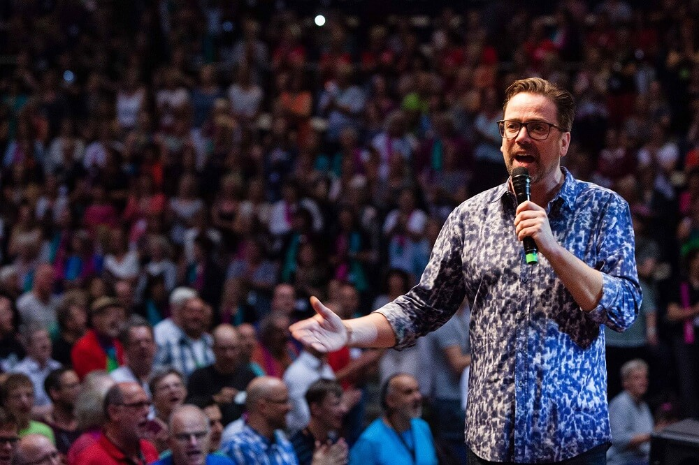 Hans Christian Jochimsen: Freude am Singen: Menschen beim Gospelkirchentag in Karlsruhe