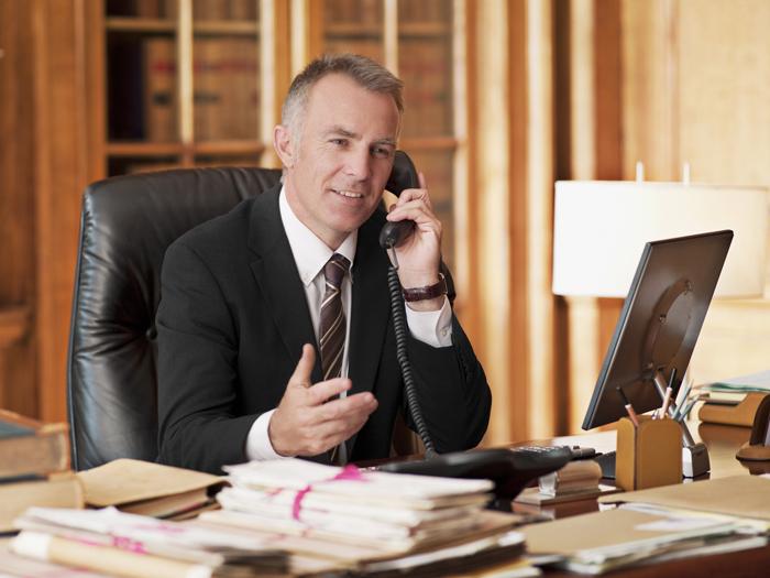 Als PLUS-Mitglied ist Ihr Anwalt nur einen Anruf entfernt. So oft Sie Hilfe benötigen, erhalten Sie fachkundigen Rat. Und wenn Sie eine Flatrate in das deutsche Festnetz nutzen, sparen Sie sogar die Telefongebühren.