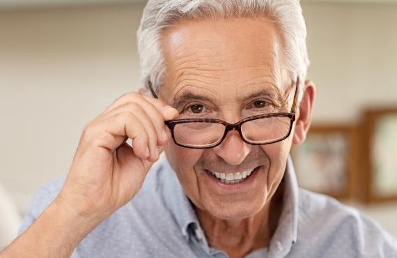 Rentner Steuererklärung Brille