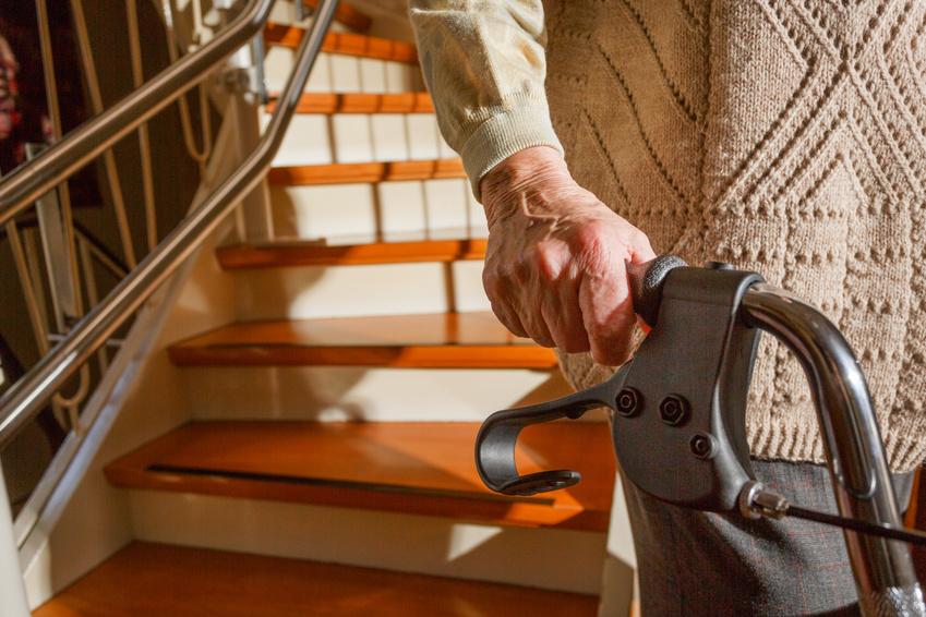 Treppenlift als Krankheitskosten Auch ohne amtsärztliches Attest absetzbar