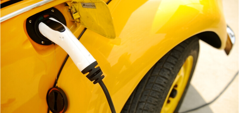 Mit Elektroautos Steuern sparen und von Prämien profitieren
