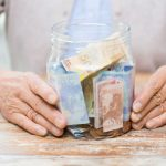 verbraucherblick 12/2015 Pflegezusatzversicherungen