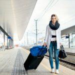 verbraucherblick 12/2015 Reisen mit Fernbus und Bahn