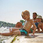Mit anderen Kindern im Urlaub - verbraucherblick 02/2018