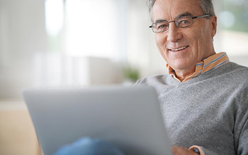 Senioren gehen ins Internet - verbraucherblick 04/2018