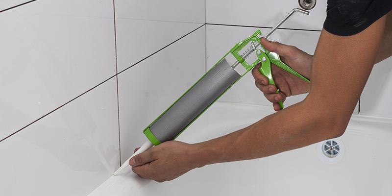 Silikonfugen im Badezimmer
