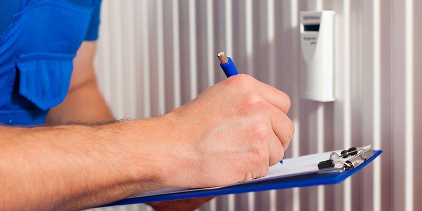 Heizkostenverteiler & Wasserzähler: Wer darf auslesen?